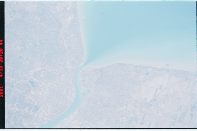 STS100-302-007 - STS-100 - Earth observation image of Sarnia,Ontario taken during STS-100