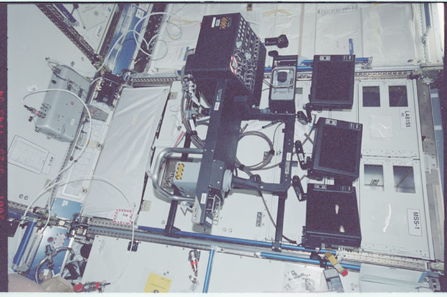 STS100-351-013 - STS-100 - Hardware