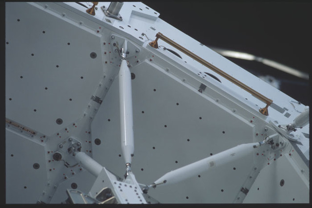 STS100-393-034 - STS-100 - View of the strut assembly of the Spacelab Pallet taken during STS-100