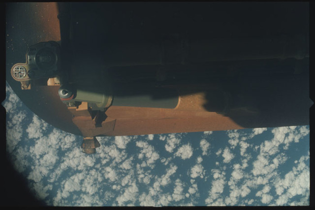 STS100-411-015 - STS-100 - View of the External Tank after separation from Endeavour during the STS-100 mission