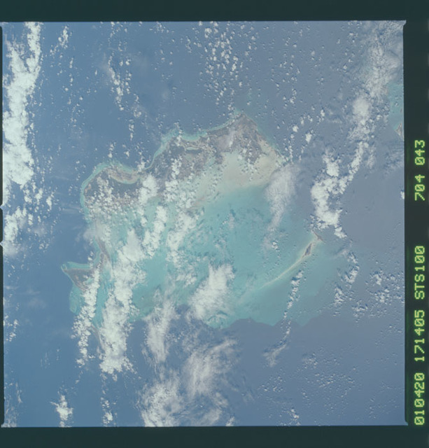 STS100-704-043 - STS-100 - Earth observation image of the Bahamas taken during STS-100