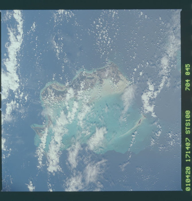 STS100-704-045 - STS-100 - Earth observation image of the Bahamas taken during STS-100