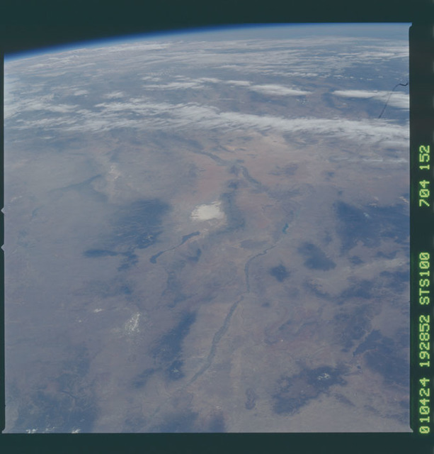 STS100-704-152 - STS-100 - Earth observation image of the Rio Grande rift taken during STS-100