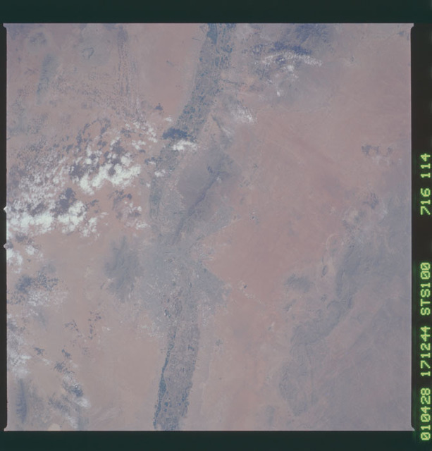 STS100-716-114 - STS-100 - Earth observation image of El Paso, Texas taken during STS-100