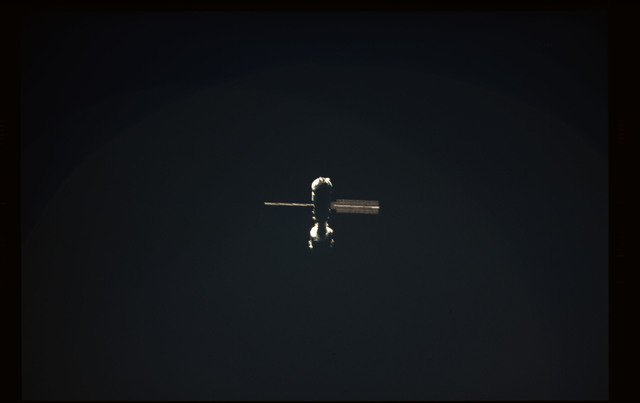 STS101-354-009 - STS-101 - View  of the ISS during approach