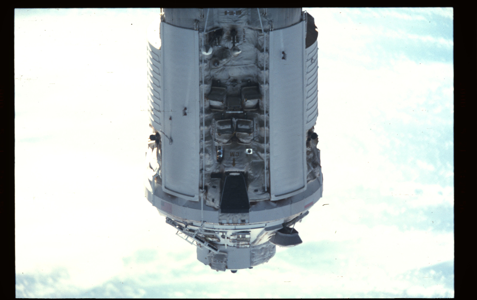 STS101-355-003 - STS-101 - Documentation of the ISS during approach