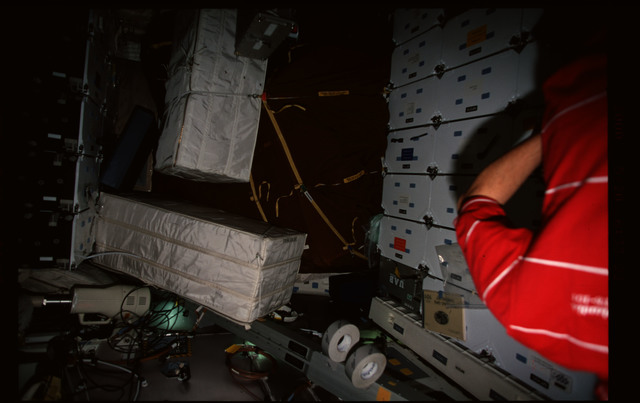STS101-357-005 - STS-101 - Stowage bags on the middeck