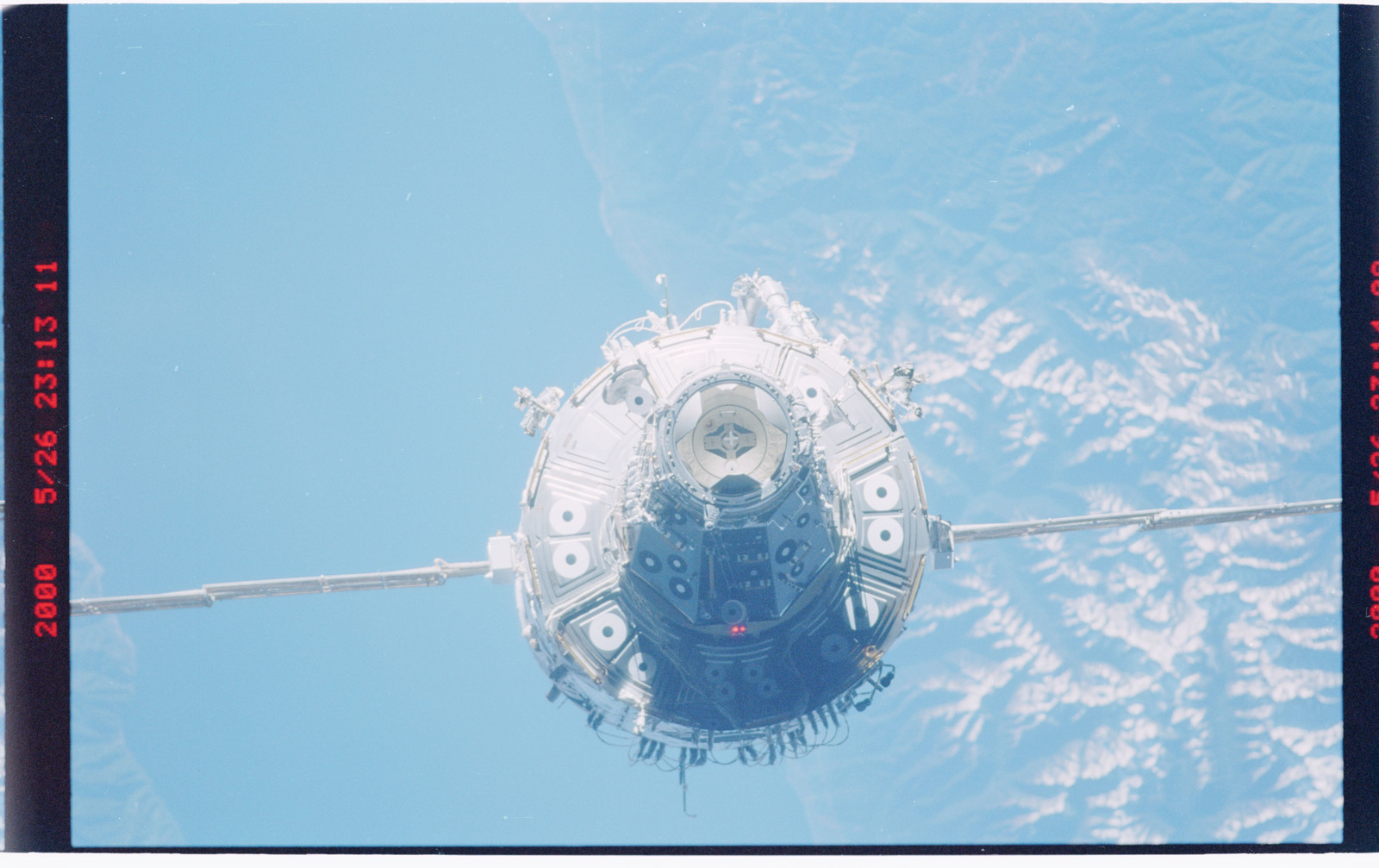 STS101-376-010 - STS-101 - View of the ISS taken during flyaround