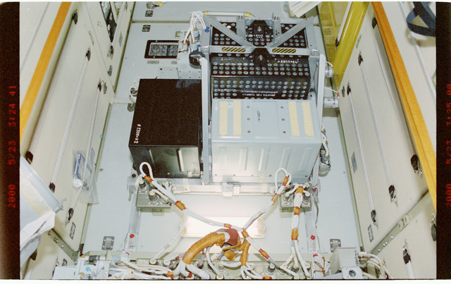STS101-391-020 - STS-101 - TORU assembly in the FGB/Zarya module