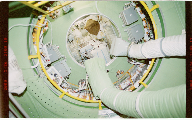 STS101-394-009 - STS-101 - View of ventilation hoses aboard the ISS