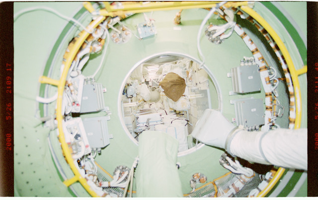 STS101-394-010 - STS-101 - View of ventilation hoses aboard the ISS