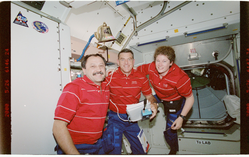 STS101-395-008 - STS-101 - Expedition 2 crewmembers in the Node 1/Unity module