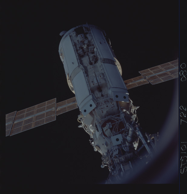 STS101-722-080 - STS-101 - View of Plane III on the FGB/Zarya module