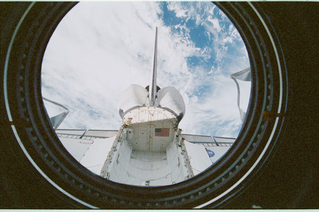 STS102-368-020 - STS-102 - Empty orbiter payload bay as seen from U.S. Laboratory/Destiny window