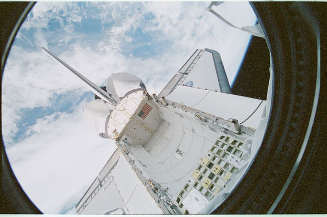 STS102-368-022 - STS-102 - Empty orbiter payload bay as seen from U.S. Laboratory/Destiny window