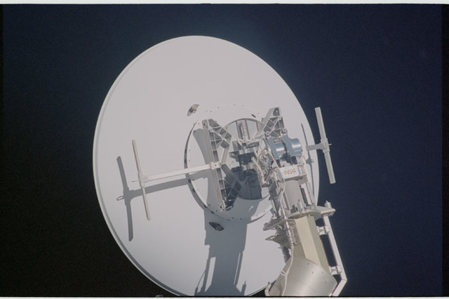 STS104-325-014 - STS-104 - SGANT antenna and boom on the Z1 truss