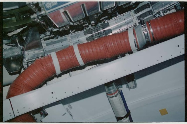 STS106-321-017 - STS-106 - Ventilation ducts and CBM interfaces in Node 1 and PMA2 during STS-106
