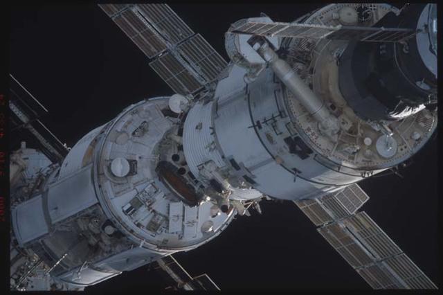 STS106-332-029 - STS-106 - Zenith side of Progress, Zarya & Zvezda taken from Atlantis during STS-106.
