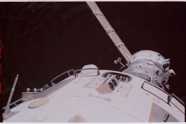 STS106-348-008 - STS-106 - Views of the thrusters, sensors and antennas on Zvezda during STS-106's EVA