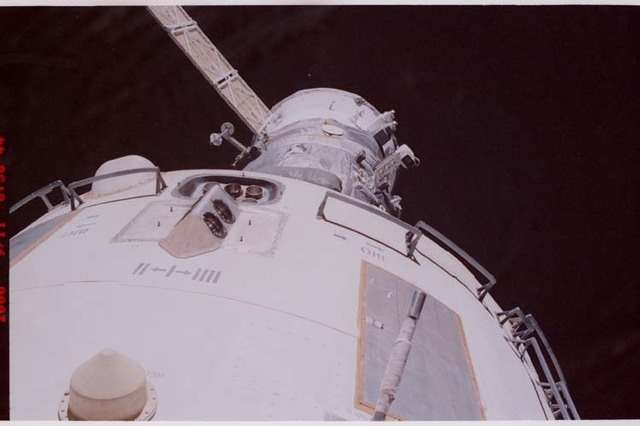 STS106-348-010 - STS-106 - Views of the thrusters, sensors and antennas on Zvezda during STS-106's EVA