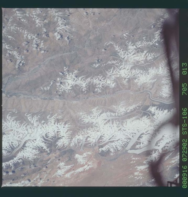 STS106-705-013 - STS-106 - Glaciers in the Himalayan Mountains taken from Atlantis during STS-106