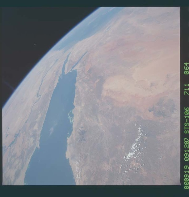 STS106-711-064 - STS-106 - Egypt, Saudi Arabia and Israel taken from Atlantis during STS-106