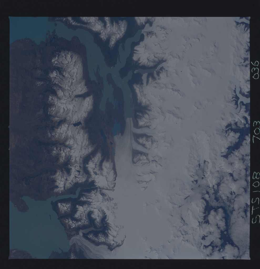 STS108-703-036 - STS-108 - Earth observations of Parque Nacional Los Glaciares, Argentina taken during STS-108