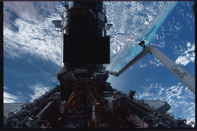 STS109-318-031 - STS-109 - EVA 4 - installation of the Advanced Camera for Surveys