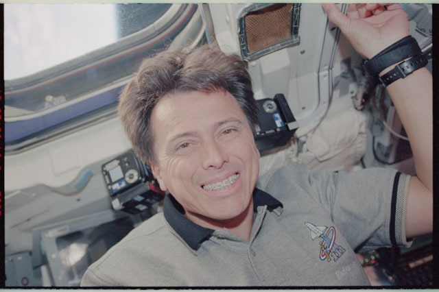 STS111-343-004 - STS-111 - Chang-Diaz smiles from below a window on Endeavour's AFD during STS-111 UF-2