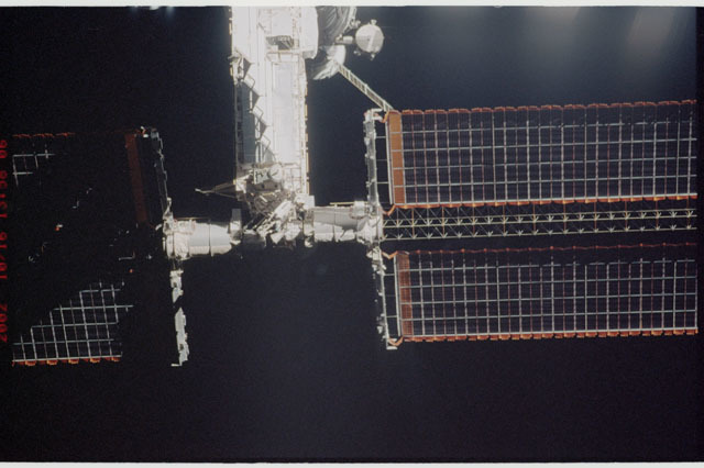 STS112-313-017 - STS-112 - Flyaround view of the P6 truss on the ISS
