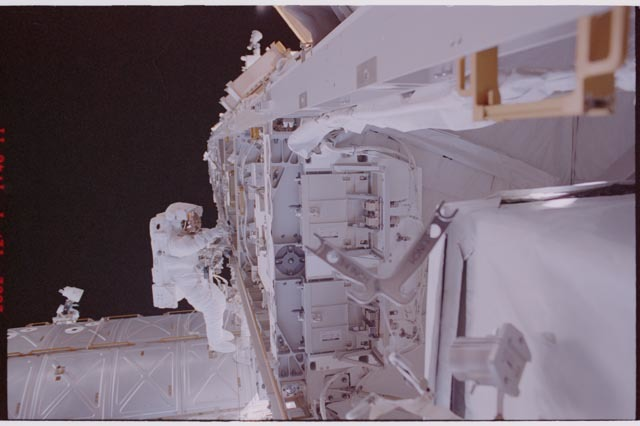 STS113-306-017 - STS-113 - Herrington during STS-113 EVA 3