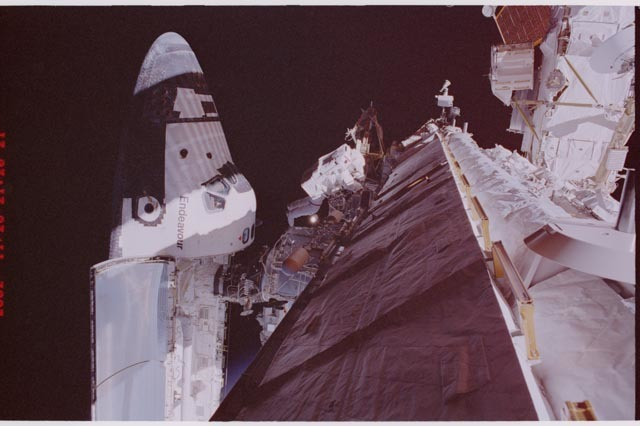 STS113-308-005 - STS-113 - Lopez-Alegria during STS-113 EVA 2