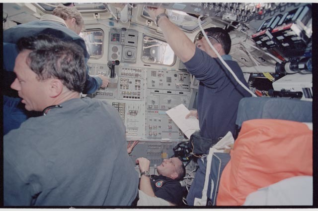 STS113-361-024 - STS-113 - STS-113 and EXP Six crew on Endeavour's AFD during rendezvous and docking with ISS