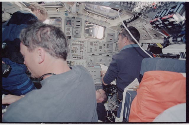 STS113-361-026 - STS-113 - STS-113 and EXP Six crew on Endeavour's AFD during rendezvous and docking with ISS