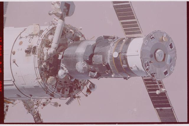 STS114-306-034 - STS-114 - Zvezda and Progress