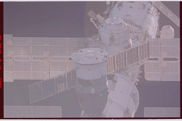 STS114-307-014 - STS-114 - Soyuz, DC-1 and Zvezda