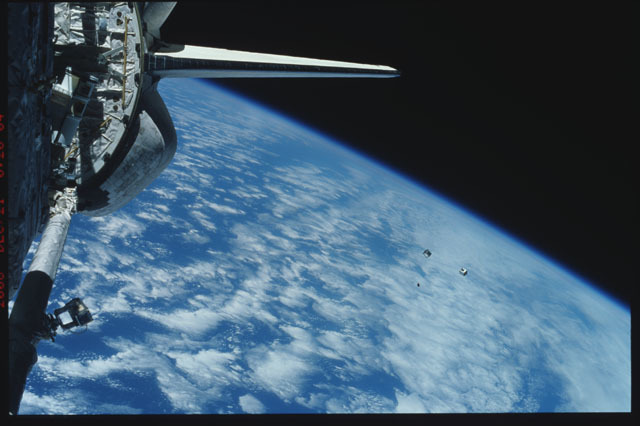 STS116-320-032 - STS-116 - View of the STS-116 Space Shuttle Discovery aft payload bay