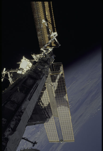 sts120-348-005a - STS-120