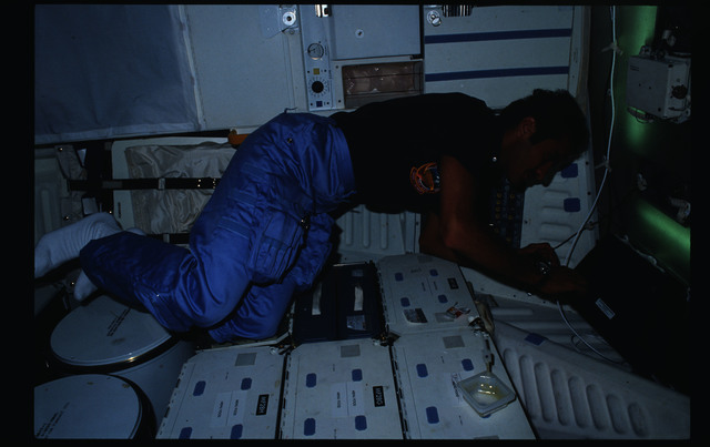 STS51G-15-014 - STS-51G - STS-51G crew activities - Al-Saud, Nagel, Baudry and Creighton