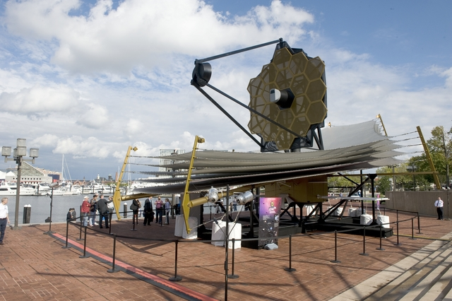 NASA ADMINISTRATOR CHARLES BOLDEN AT THE JAMES WEBB SPACE TELESCOPE MODEL DISPLAY AT THE MARYLAND SCIENCE CENTER IN BALTIMORE, MD