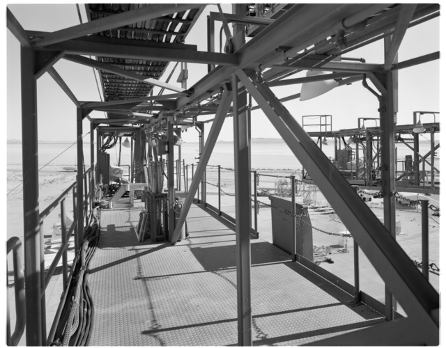 NASA DFRC Mate-Demate Device (MDD) view looking east from starboard side Shuttle Access Platform (SAP), port side SAP visible on right