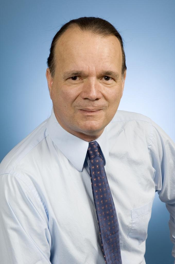 PORTRAIT OF DR. DRAKE DEMING WINNER OF 2007 LINDSAY AWARD.
