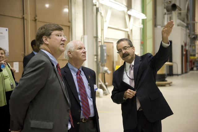 SENATOR BEN CARDIN TOUR OF BLDG 7/10/29/32 AT GODDARD SPACE FLIGHT CENTER