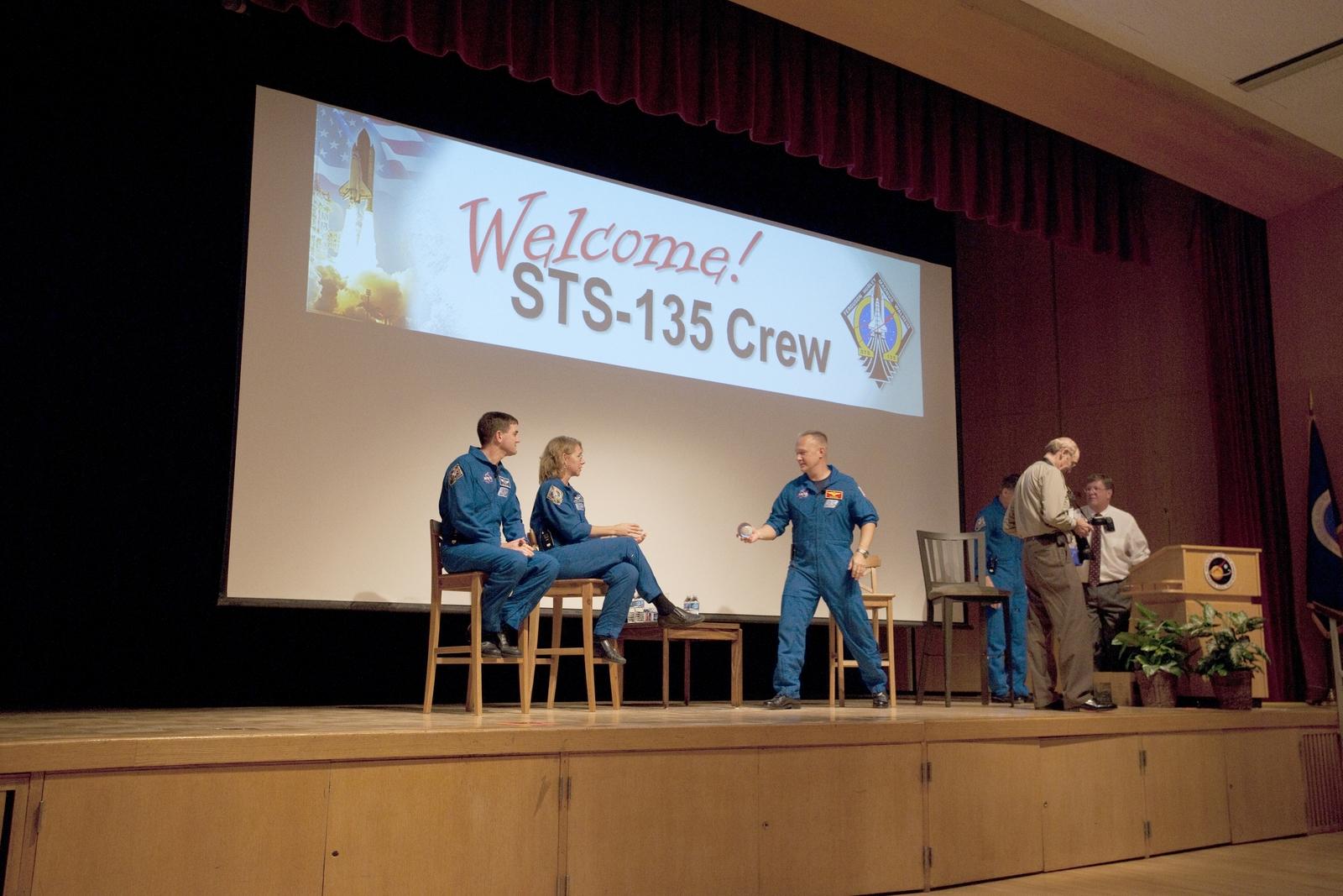 SPACE SHUTTLE STS-135 CREW VISIT GODDARD SPACE FLIGHT CENTER