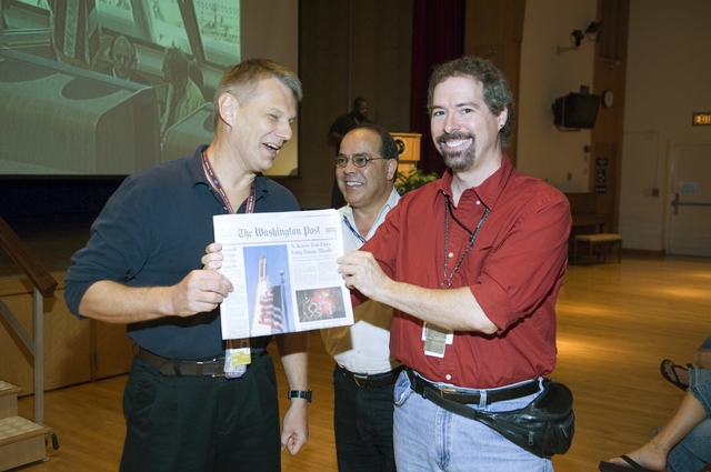 STS 121 PRESENTATION BY ASTRONAUT PIERS SELLERS