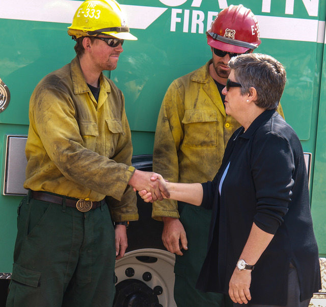 Wildfire - Colorado Springs, Colo. , July 3, 2012 --DHS Secretary Napolitano thanks fire crew from North California National Forest working on the Waldo Canyon Fire.  Photo: Michael Rieger/FEMA