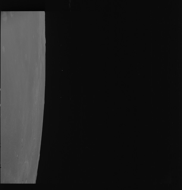 AS08-17-2811 - Apollo 8 - Apollo 8 Mission image, Moon limb, T/O 80