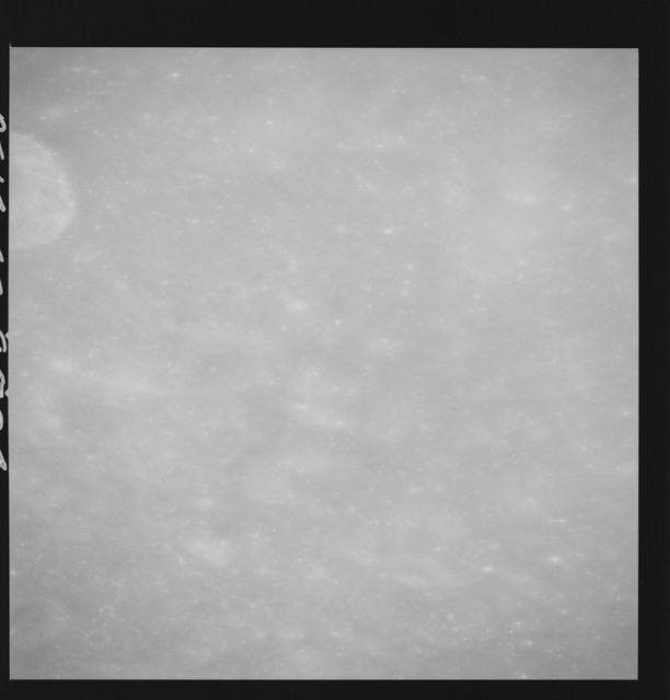 AS14-69-9504 - Apollo 14 - Apollo 14 Mission image - View of the lunar surface during approach to the Descartes DE-2.