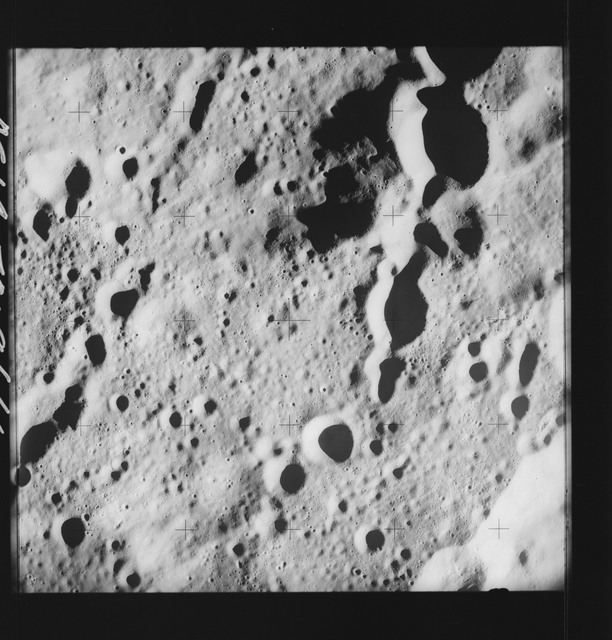 AS14-70-9666 - Apollo 14 - Apollo 14 Mission image - View of the crater chain on the rim of the Love Crater.