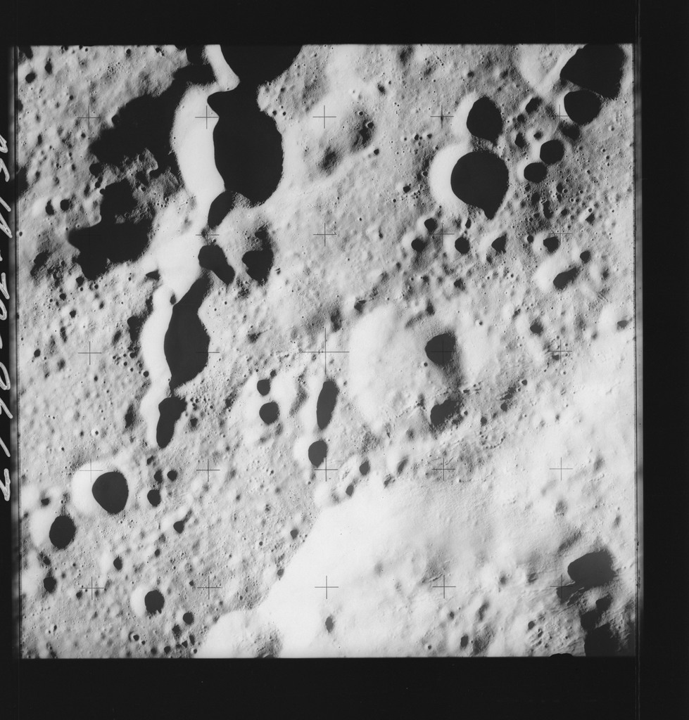 AS14-70-9667 - Apollo 14 - Apollo 14 Mission image - View of the crater chain on the rim of the Love Crater.